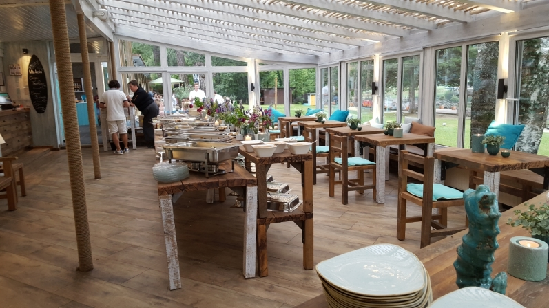 Gastronomie Tische und Stühle massiv Eiche Altholz