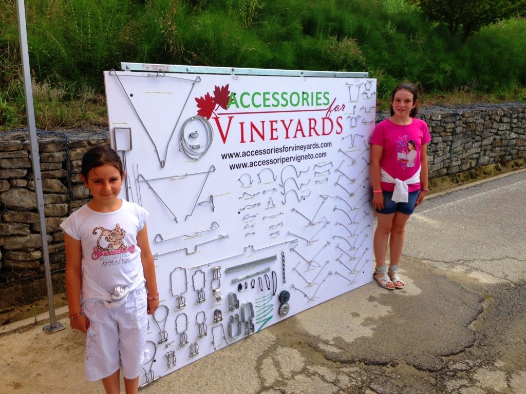 Accessories for Vineyards Mascotte