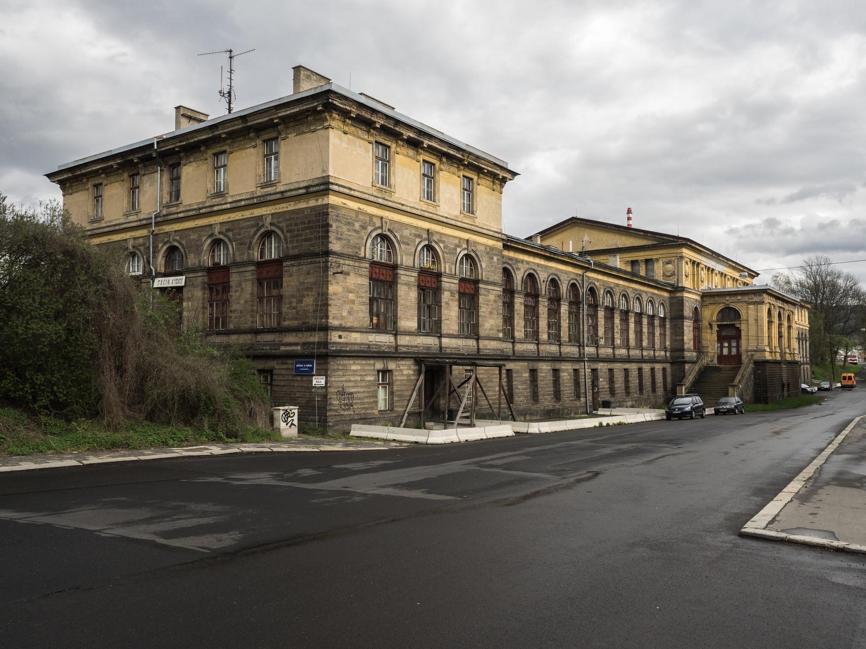 Bahnhofsgebäude Decin Vychod von 1874