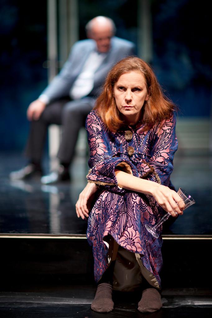 Liv Stein, Liv, Haratischwili, 2011