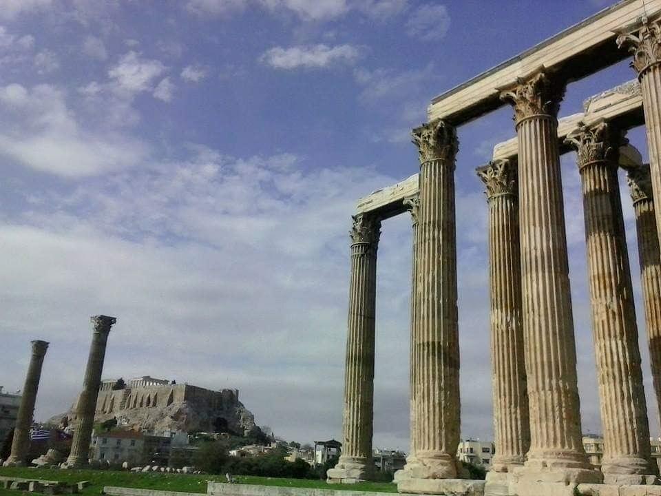 معبد زوس في أثينا، عاصمة اليونان