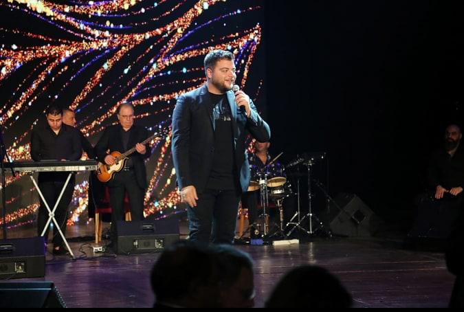 يستعد زيان لاطلاق اغنيته الجديدة بالتعاون مع شركة روتانا للمرئيات