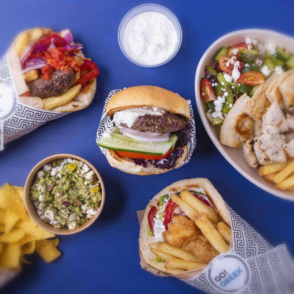 علامة كلاود ريستورانتس تقدّم أشهى الأطباق اليونانية الخالية من الدهون في دبي
