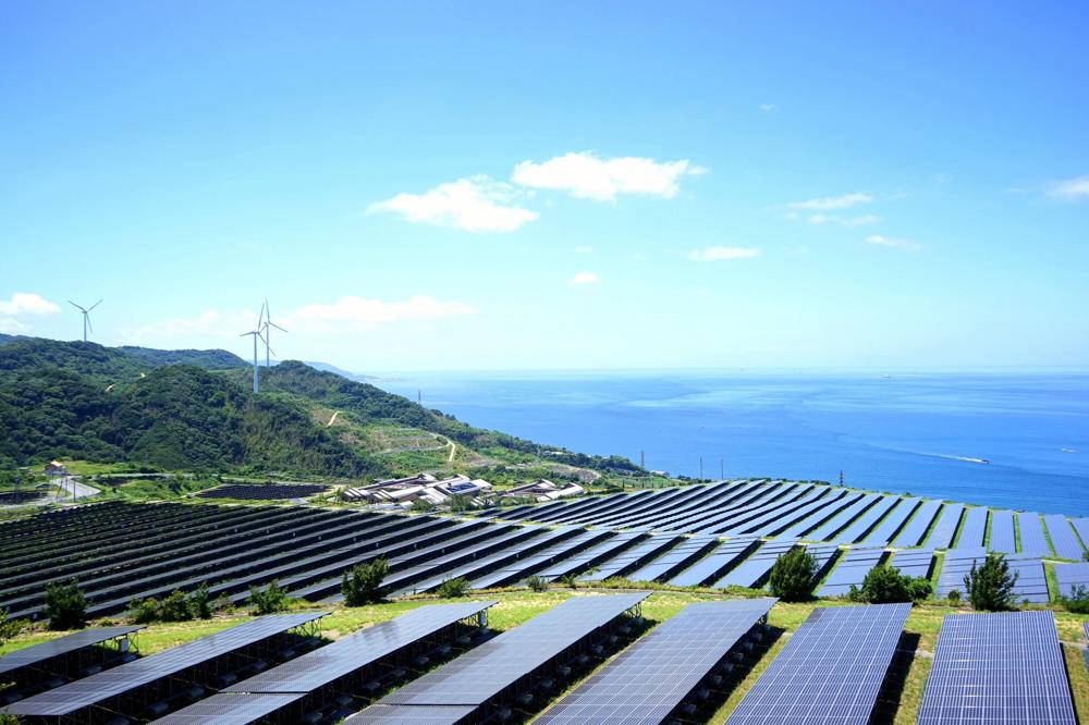 """تُعتبر """"الوكالة الدولية للطاقة المتجددة"""" بمثابة مركز عالمي للتعاون في مجال الطاقة المتجددة وتبادل المعلومات بين أعضائها الذين يبلغ عددهم 160 عضواً"""