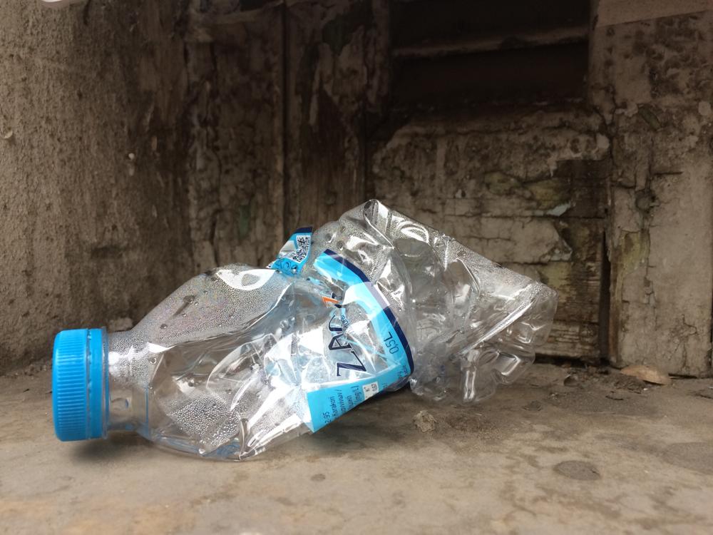 معظم البلاستيك يُرمى بعد استخدامه لفترة زمنية قصيرة جداً