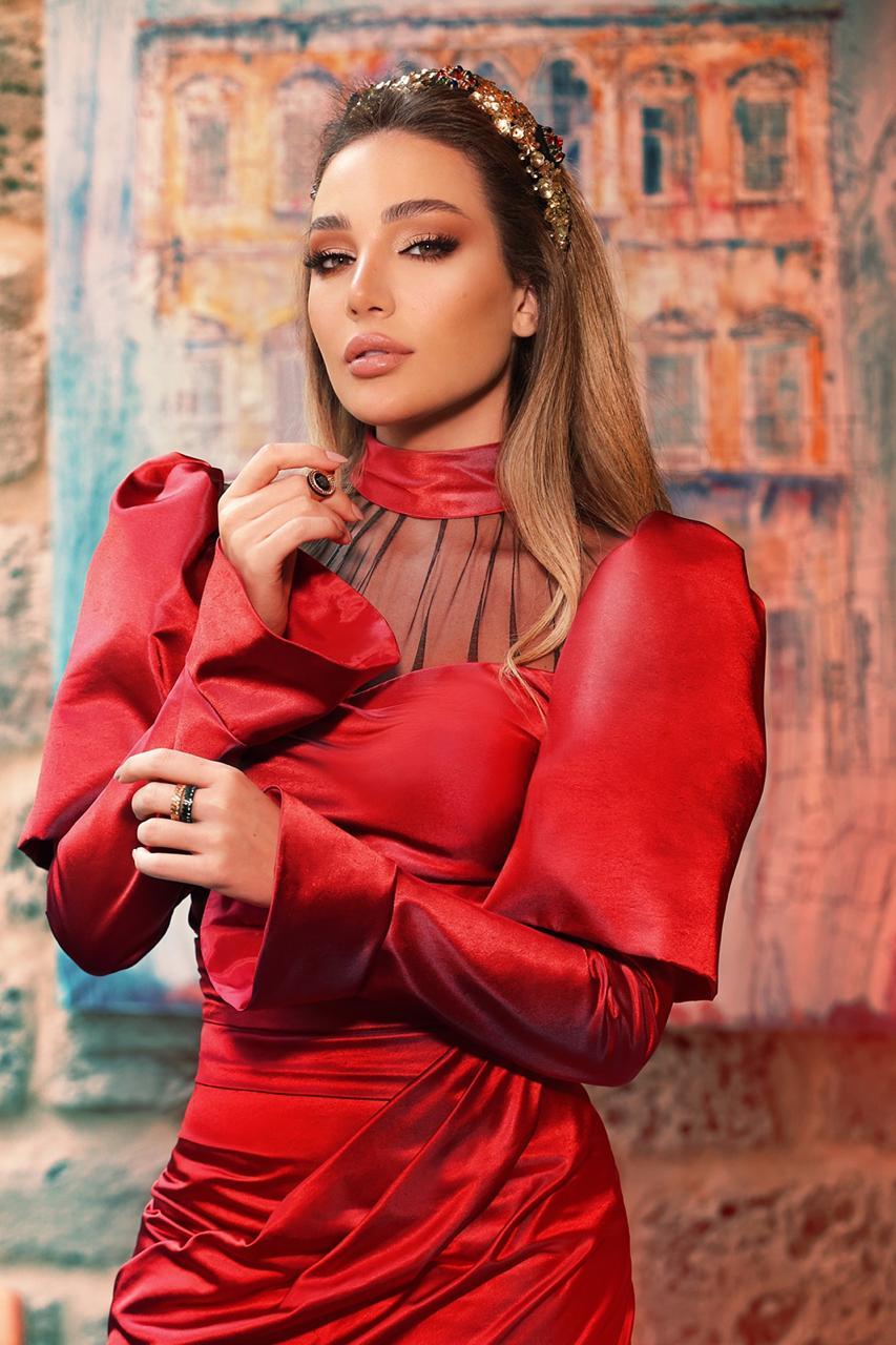 """للتواصل مع مصممة الأزياء ومدوّنة الموضة رشا الخولي على """"انستغرام"""": https://www.instagram.com/rashakhawly"""