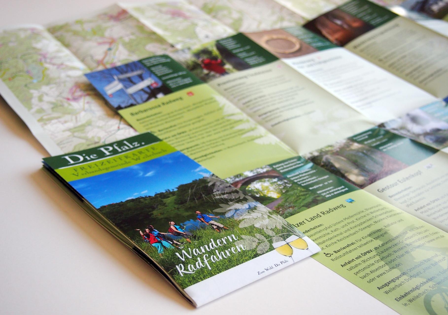 Wander- und Radkarte mit Wegbeschreibungen