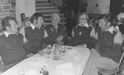 der Vorstand nach 10 Jahren: vlnr Weislie Christian, Mitterer Stefan, Altobmann Fankahuser Max, Obmann Riedlsperger Gerhard, Troppmair Max