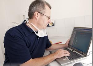Zahnarzt Berthold Pilsl für Implantate Oberammergau - wenn Ihr Zahnarzt in Oberammergau selbst keine Implantate setzt.