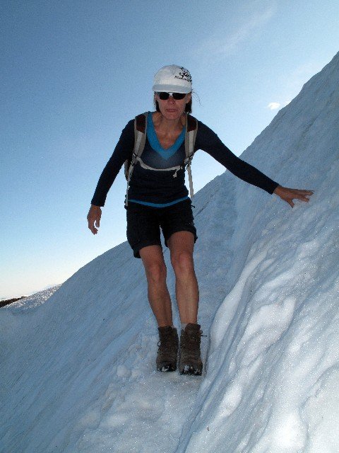 Kühl - Großes Schneefeld auf dem Skyline Trail