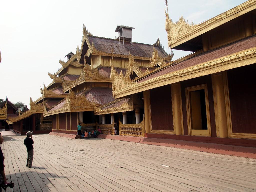 Der Königspalast in Mandalay ...