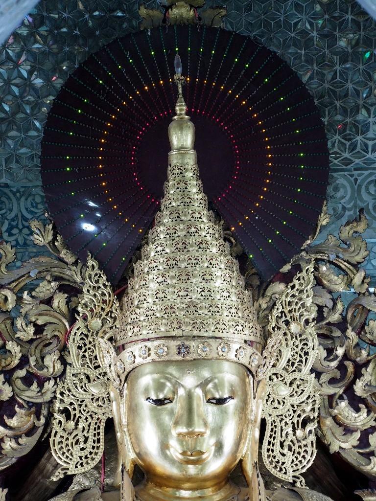 Elektrischer Heiligenschein - Heute leuchten die Buddhas