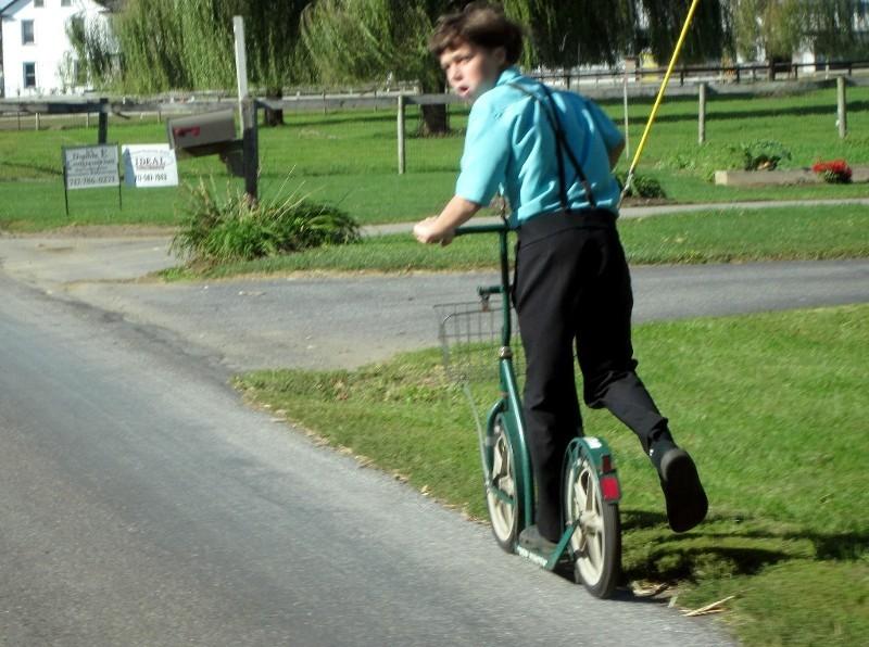 ... aber Roller sind immer noch wichtiges Fortbewegungsmittel