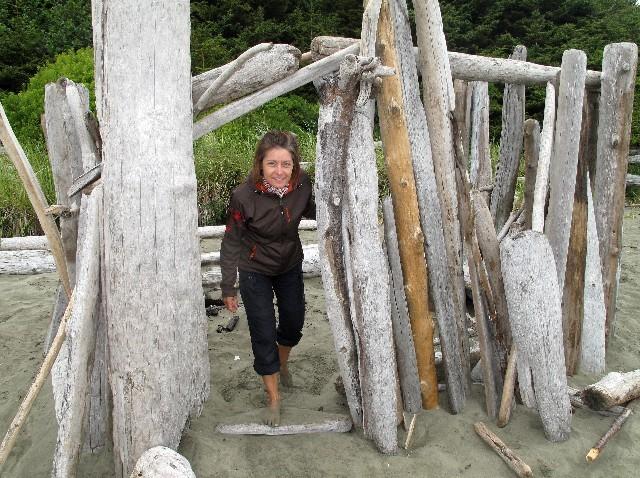 Unterstand - Hütte aus Treibholz