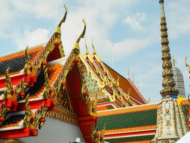 Herausgeputzt - Fassaden am Wat Pho