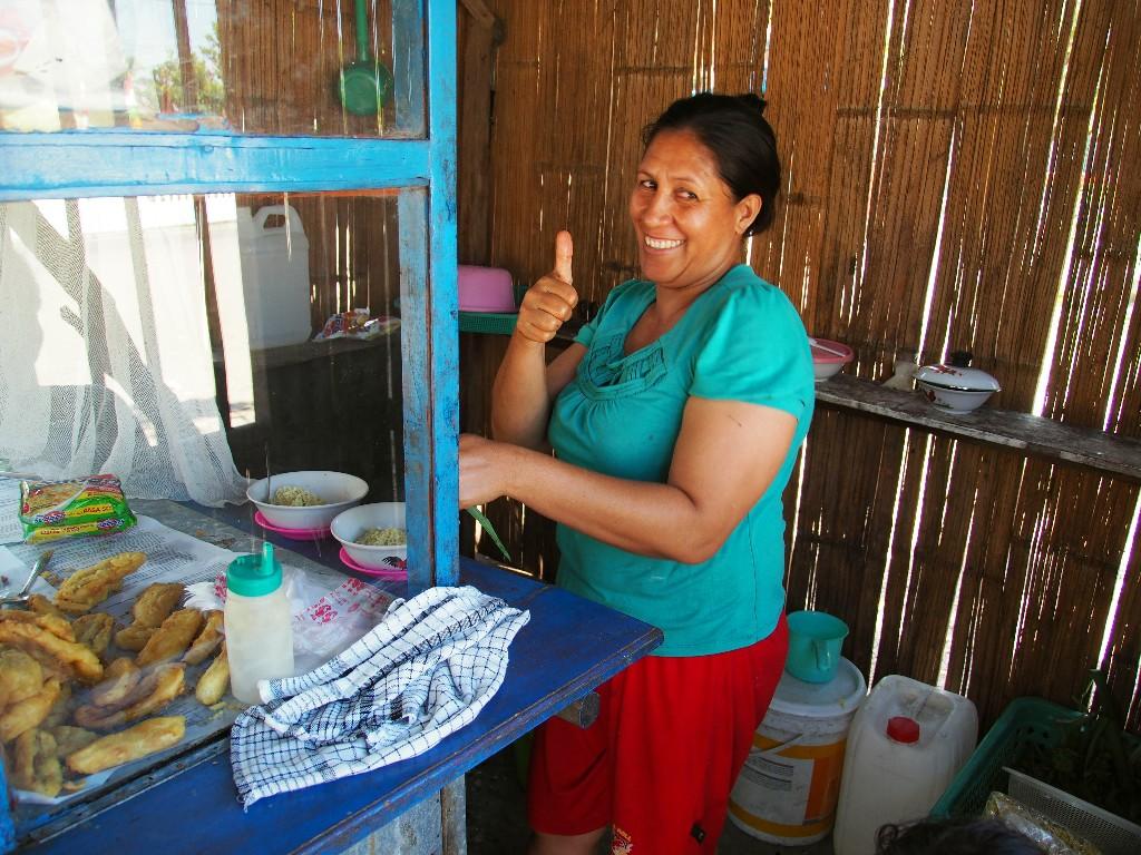 Freundlich - WIr waren die einzigen Gäste in dieser Straßenküche und hatten viel Spaß.