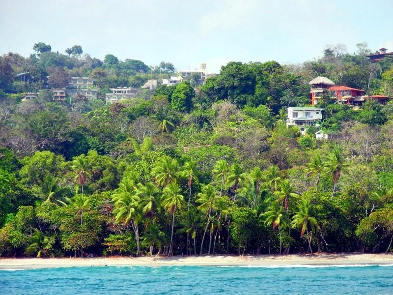 Views auf die südliche Pazifikküste von Costa Rica