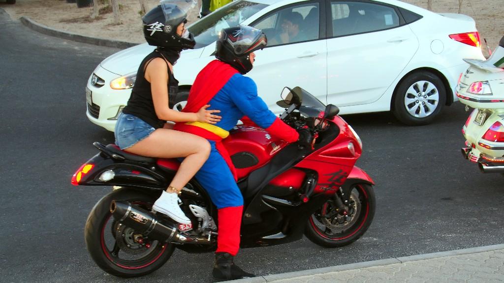 ... aus Tausend und einer Nacht auf japanischen Supersportmotorrad
