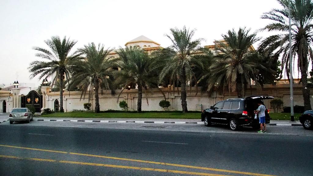 ... oder Anwesen im typisch arabischen Stil