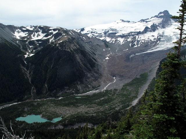 Emmons Gletscher - Gletscherbach mit kleinem See