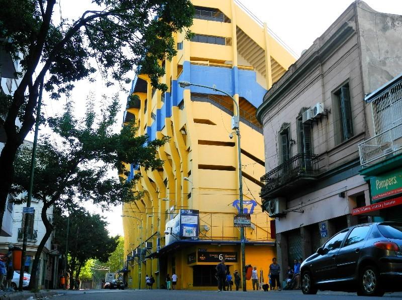 La Boca - Stadion mitten im Arbeiterviertel