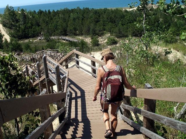 Dünenschutz - Holzwege erleichtern die Überquerung