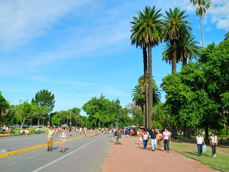 Aktiv - Bewegung und Sport in einem Park in Buenos Aires