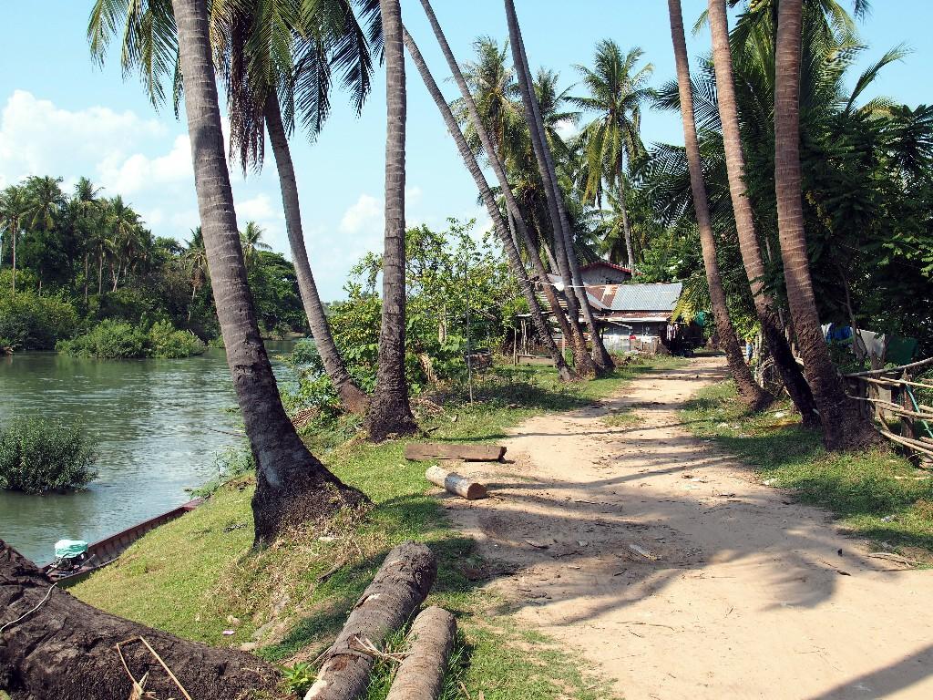 Wege auf Done Khon in der Nähe unseres Sala Done Khon Resorts
