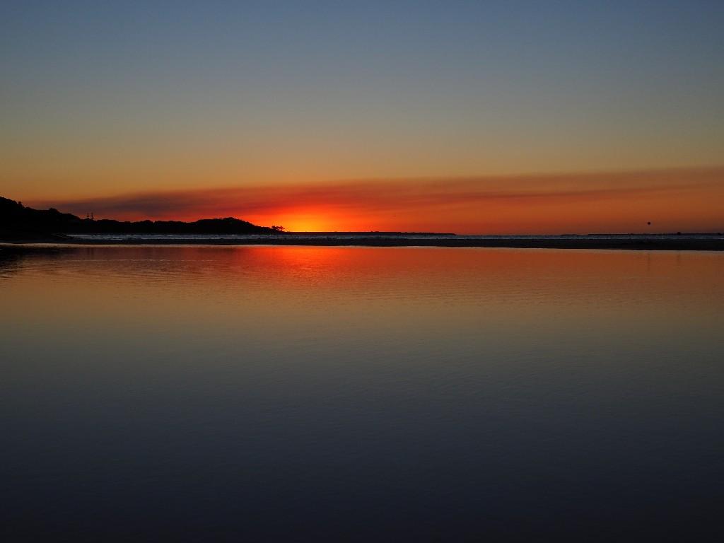 Sonnenuntergang am Strand von unserem Campingplatz