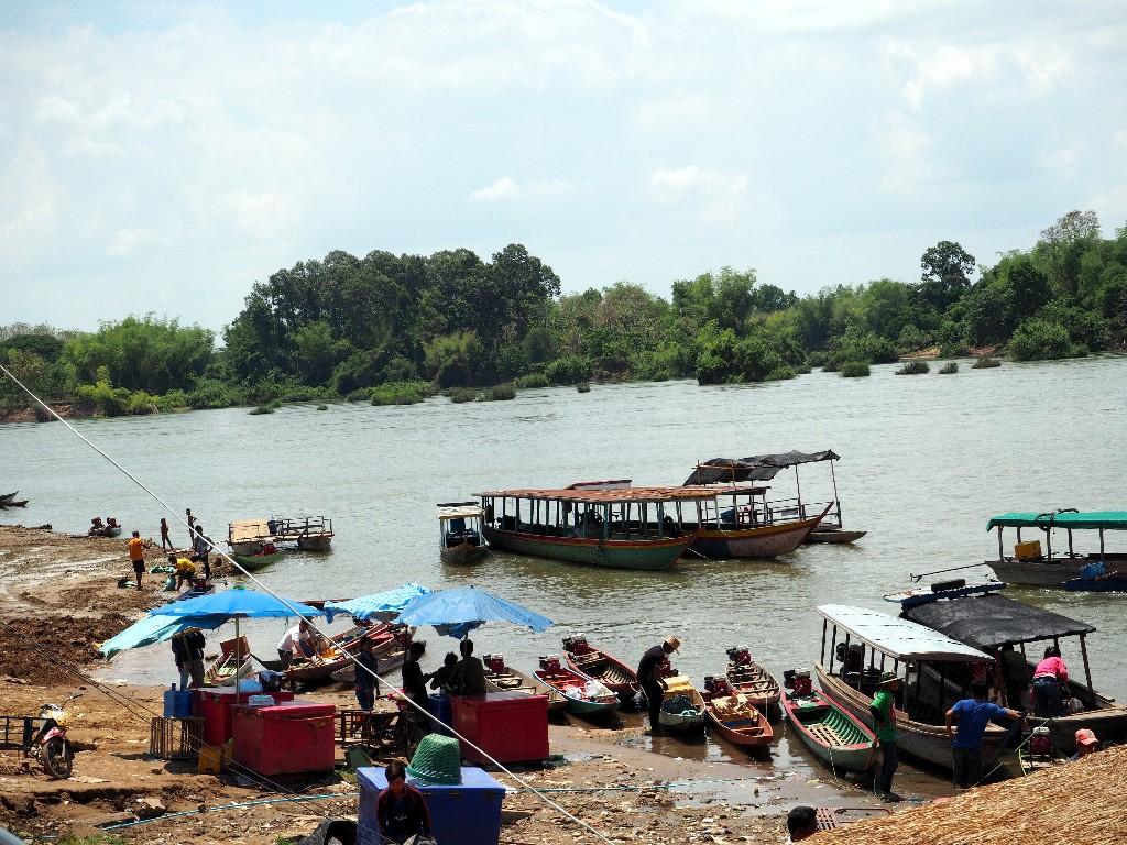 Wartende Boote - Touristen sorgen für Aufträge