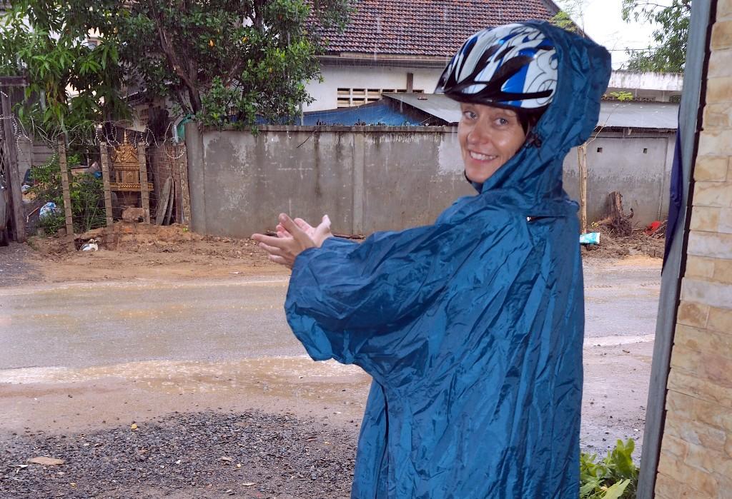 Täglich - Kurz vor unserer Rückkehr erwischte uns ein heftiger tropischer Regenschauer