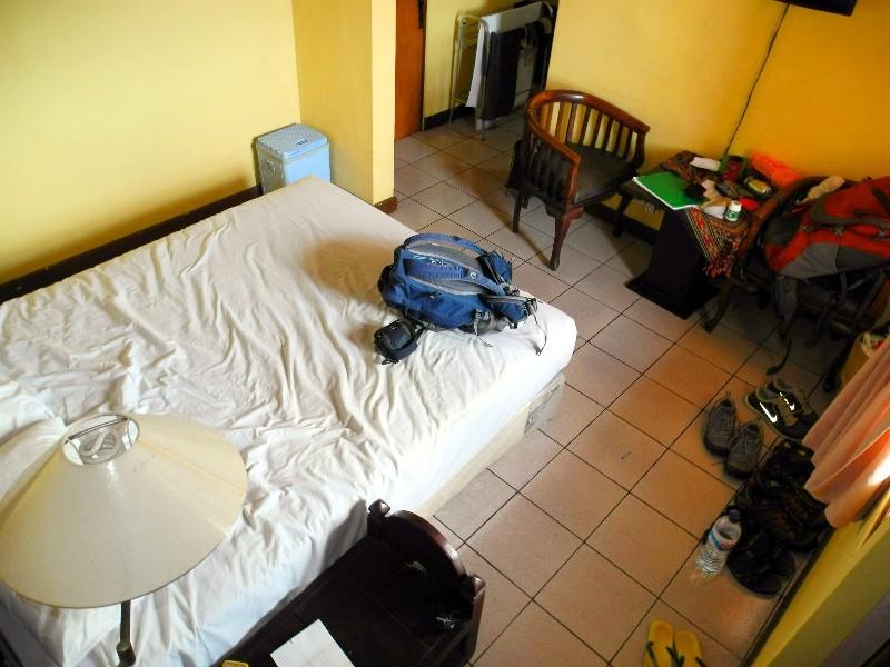 Kleines Zimmer im Segara Hotel ...