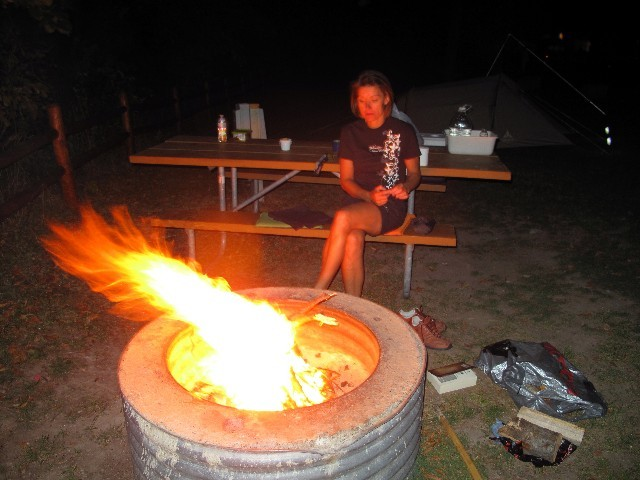 Abendstimmung - Feuer am Campground des Orchard Beach State Parks