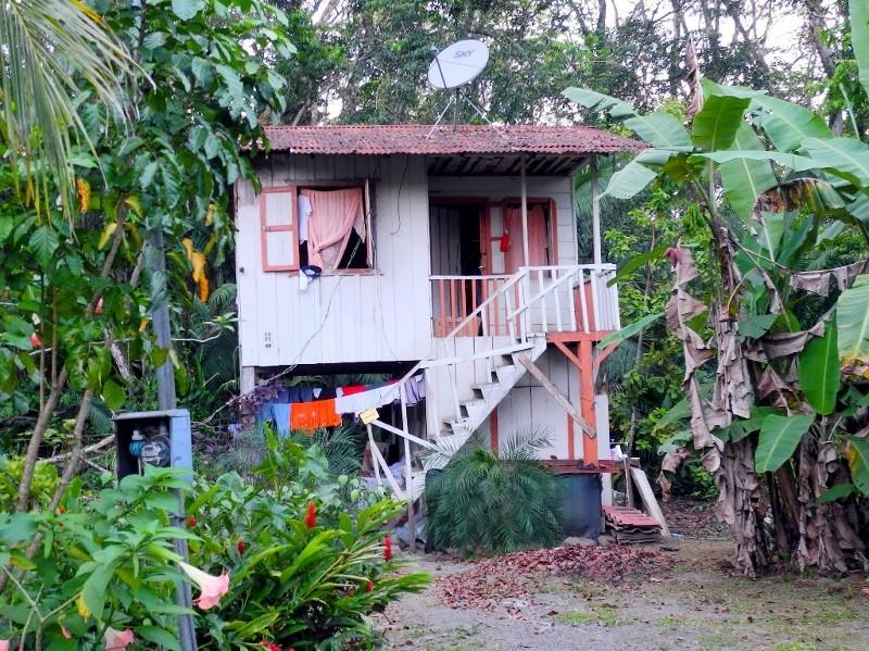 Unterkunft einer Großfamilie bei Puerto Viejo