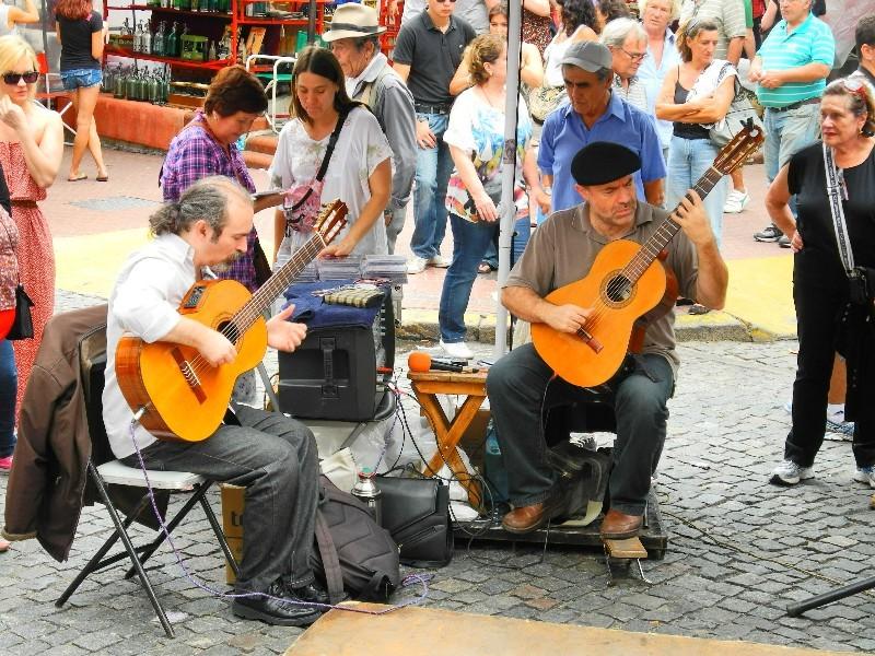 Klassisch - Gitarrenspieler in San Telmo