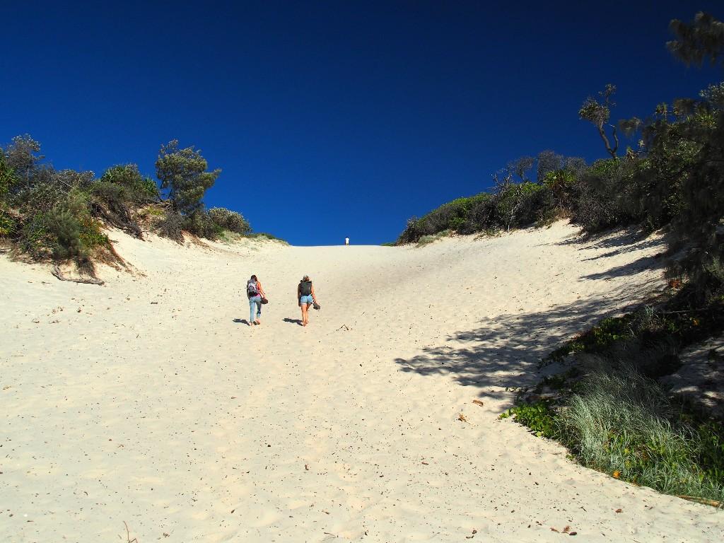 ... und eröffnen grandiose Küstenlandschaften mit Dünen, ...