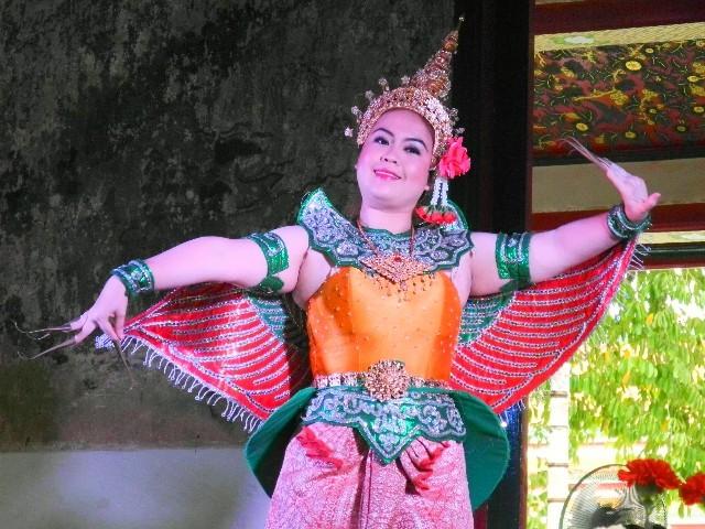 Tradition - Thai-Tänzerin während der Feierlichkeiten zum Neujahrsfest