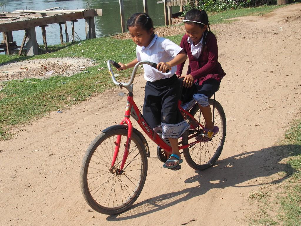 Geschickt - Sicheres Fahren auf zu großem Fahrrad