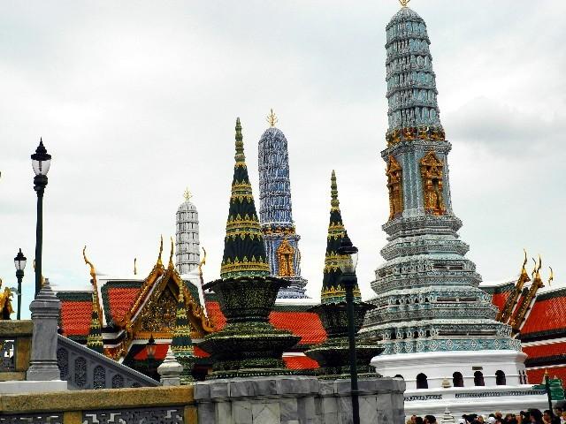 Nicht weit von den prunkvollen Bauten des Grand Palace...