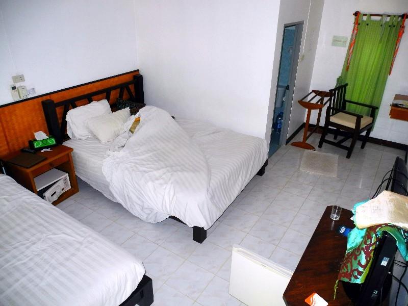 Ortswechsel - das Sairee Hut Dive Resort ...