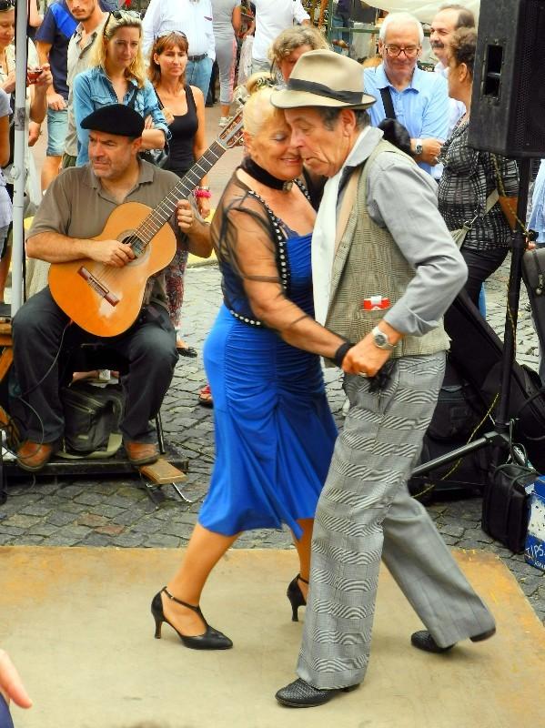 Ewig dabei - altes Tangopaar in San Telmo