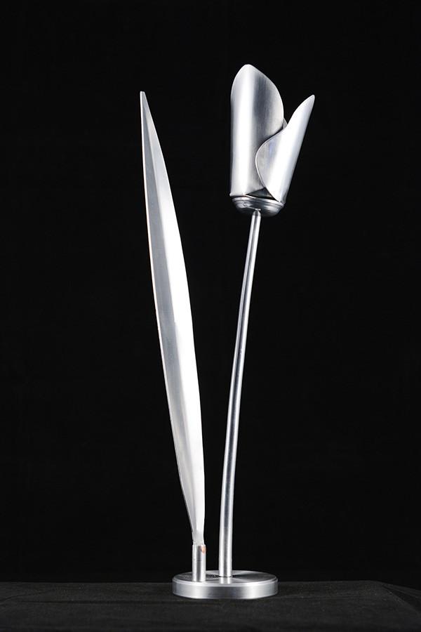 Tulipe 15'' x 5'', aluminium, 2015.