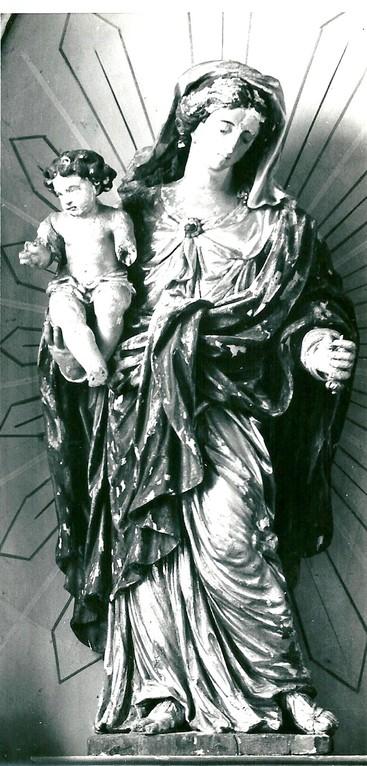 Vierge à l'Enfant, R. Verburg, F Eglise de Surlemez, 1967, copyright : KIK-IRPA, Bruxelles