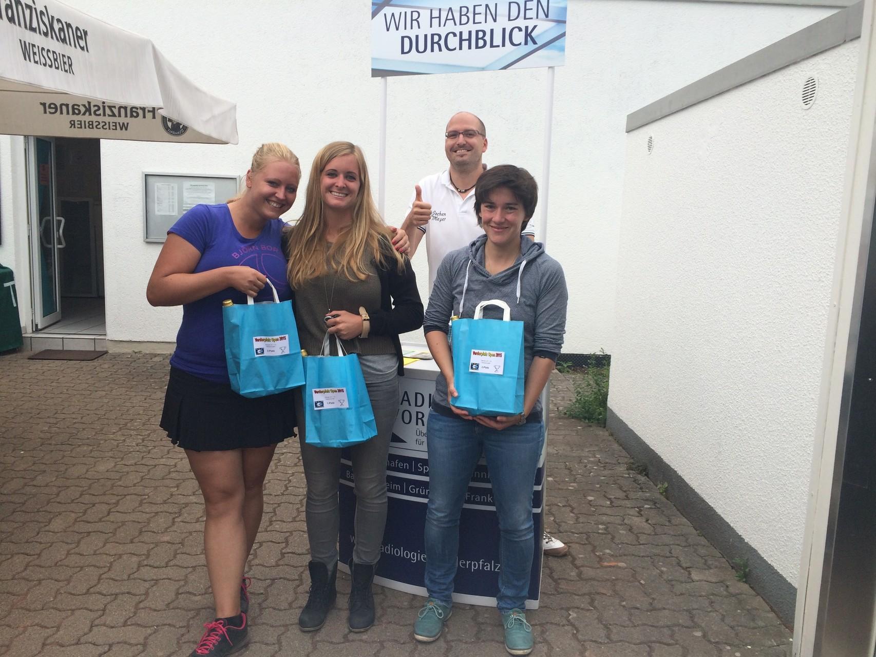 Damen LK 1-13 NR: v.l. 3.Alexandra Ullrich (MTG BW Mannheim), Siegerin Naike Seiffert (TC Schifferstadt), 2.Adrienne Voigt (TSG TA Landau-Godramstein)