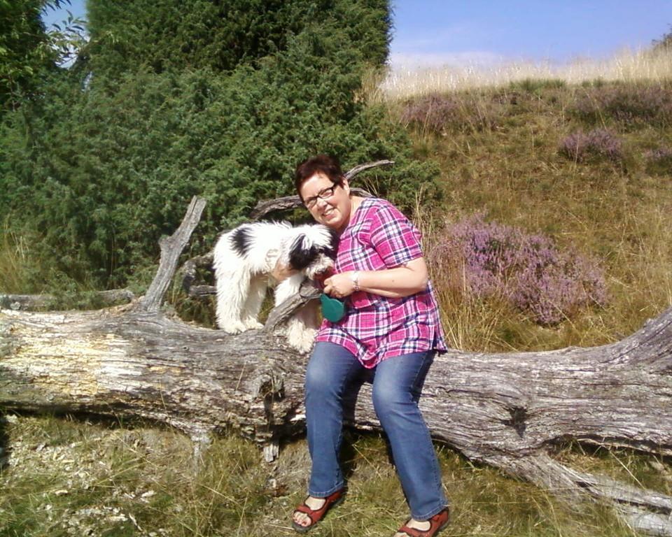 mit Frauchen in der Heide