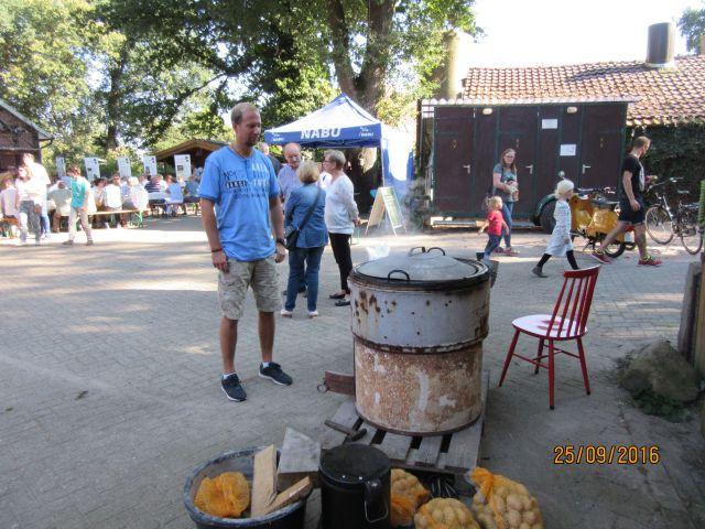 Es werden auch Kartoffeln gekocht