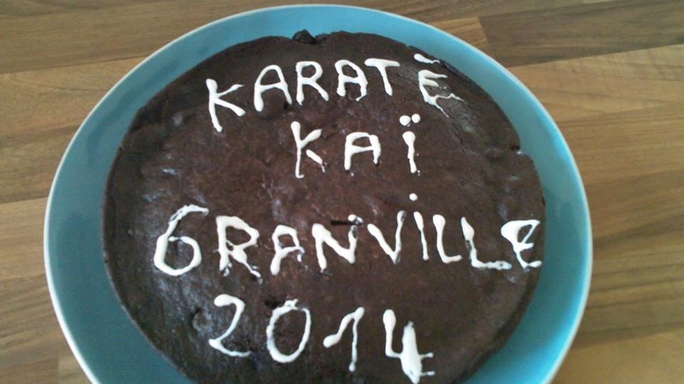Un superbe gâteau apporté par une maman...