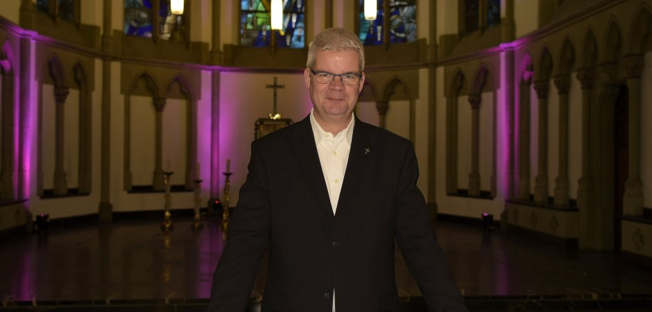 Christian Schulte freut sich auf seine neue Aufgabe. Er wird am Sonntag um 16 Uhr in St. Joseph ins Amt eingeführt. (WAZ-Foto: Udo Gottschalk)
