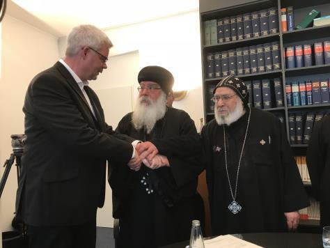 Pfr. Christian Schulte, Bischof Damian und der Priester der koptischen Gemeinde (Foto: Markus Borzymski)