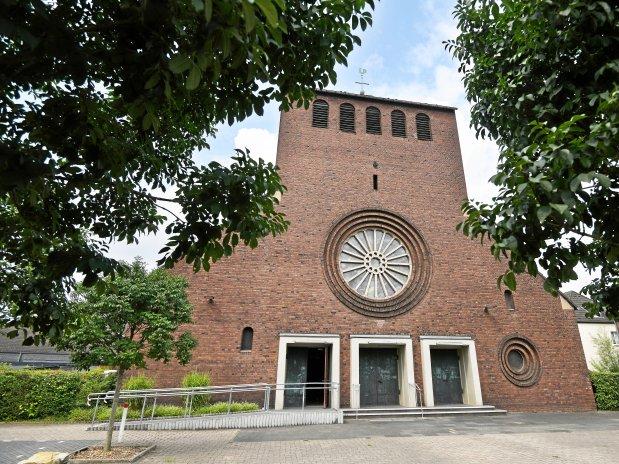 Die Filialkirche St. Petrus Canisius wird von vielen Familien besucht. (WAZ-Foto: Oliver Mueller / FUNKE Foto Services)